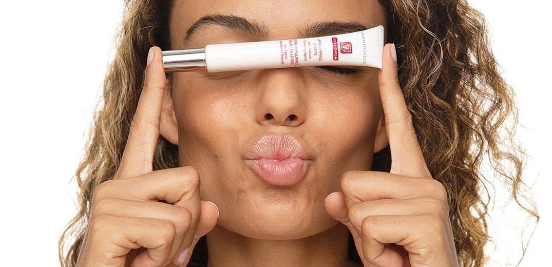 Model with Lip Plumping Creme 2jpg-1